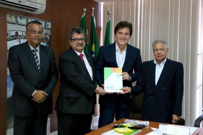 Governador recebe estudo da FIERN  sobre perspectivas para a economia