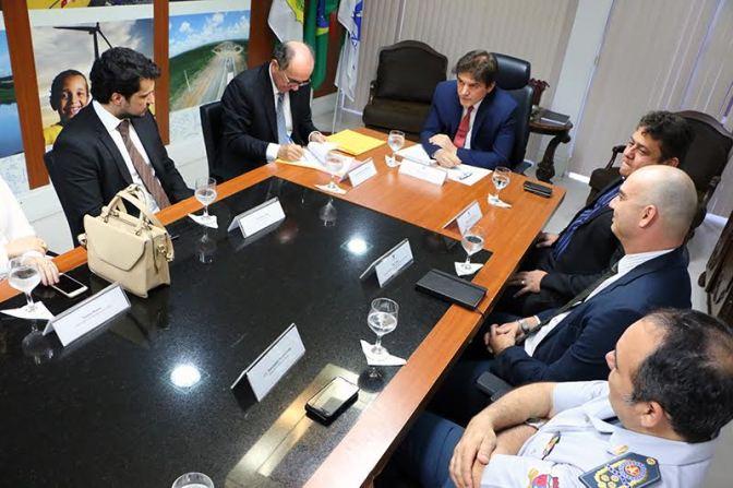 Governador assina termo com TJRN para repasse de R$ 20 mi ao Fundo Penitenciário