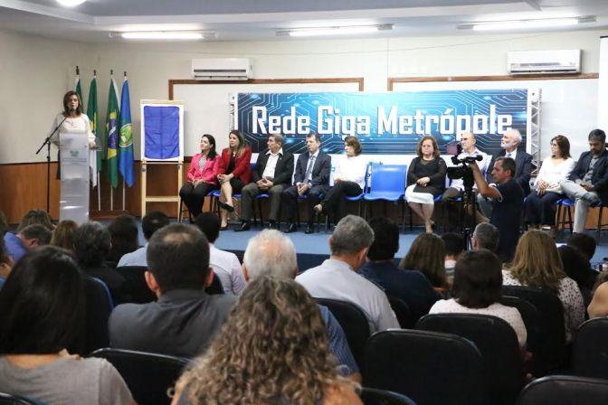 Internet banda larga chega às escolas estaduais de Macaíba
