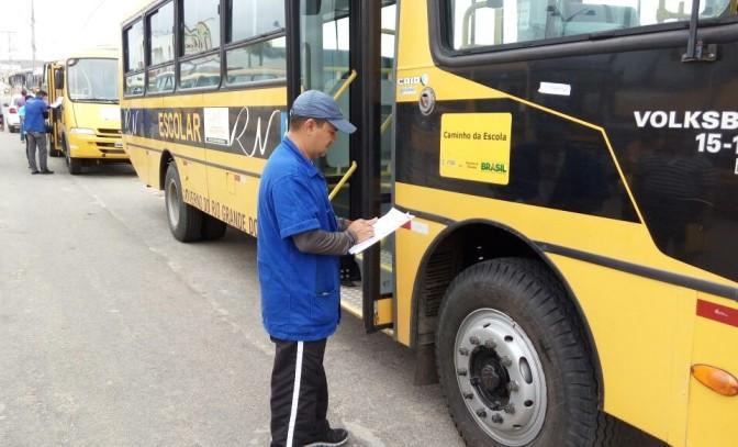 Detran realiza vistoria em transporte público escolar do RN