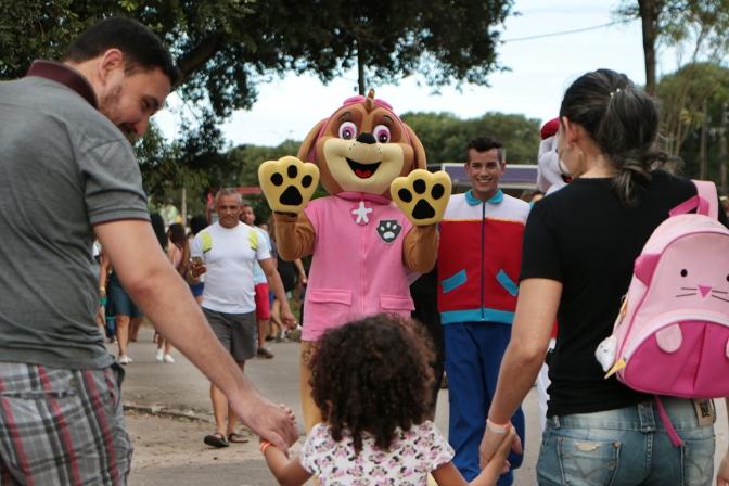 """""""Domingo no Parque"""": nova opção de lazer às famílias no parque Aristófanes Fernandes"""