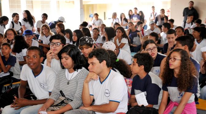 Resultado de imagem para Alunos da Escola Celestino Pimentel têm palestra para combater o bullying